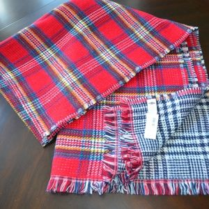 Old Navy Red & navy plaid reversible blanket scarf